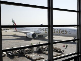 Emirates airlines resumes flights to Iran